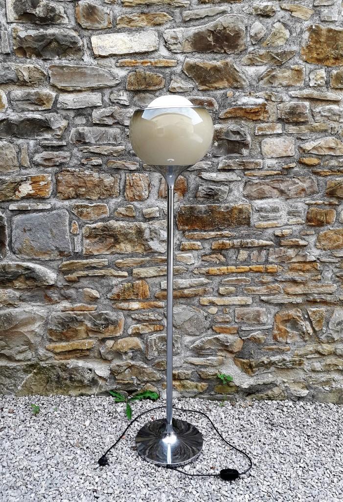 Mid Century Bud Grande Flash Floor Lamp / Meblo / Design by Harvey Guzzini