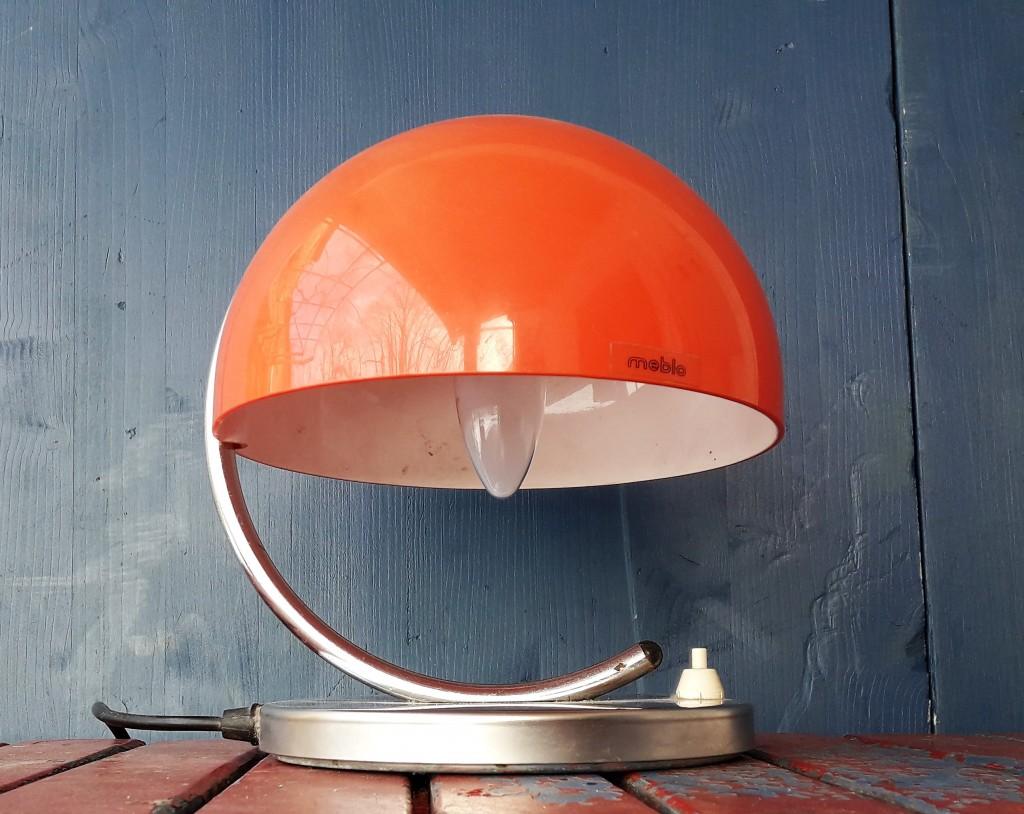 Meblo Harvey Guzzini dizajn namizna luč