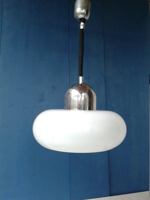 Meblo stropna luč