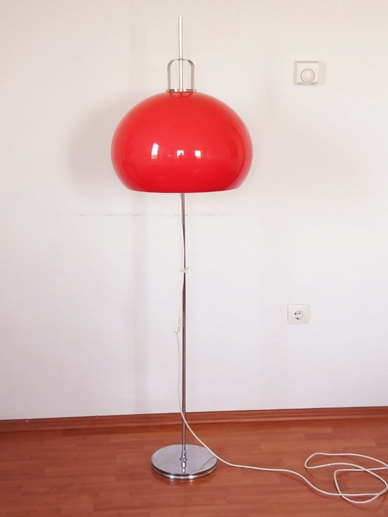 Mid Century Red Floor Lamp/Design By Harvey Guzzini /Meblo/Italy 70s