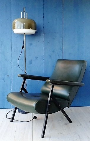 Retro Armachair - Leather